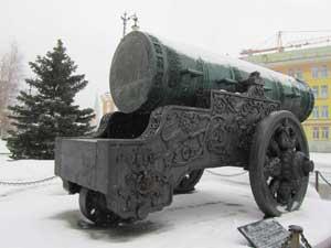 Царь-пушка (вид сзади)